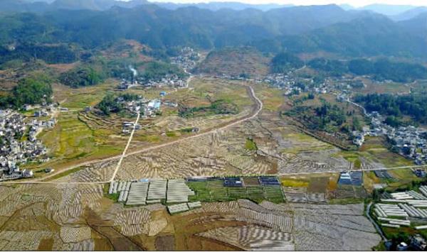 航拍:兴仁县城南街道田园美景--贵州频道--人民网
